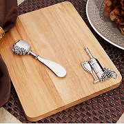 Cheese Cutting Board With Wine Design
