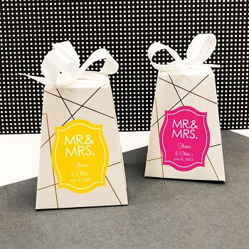 Personalized Gift Boxes with Mr. & Mrs. Design (Set of 12)